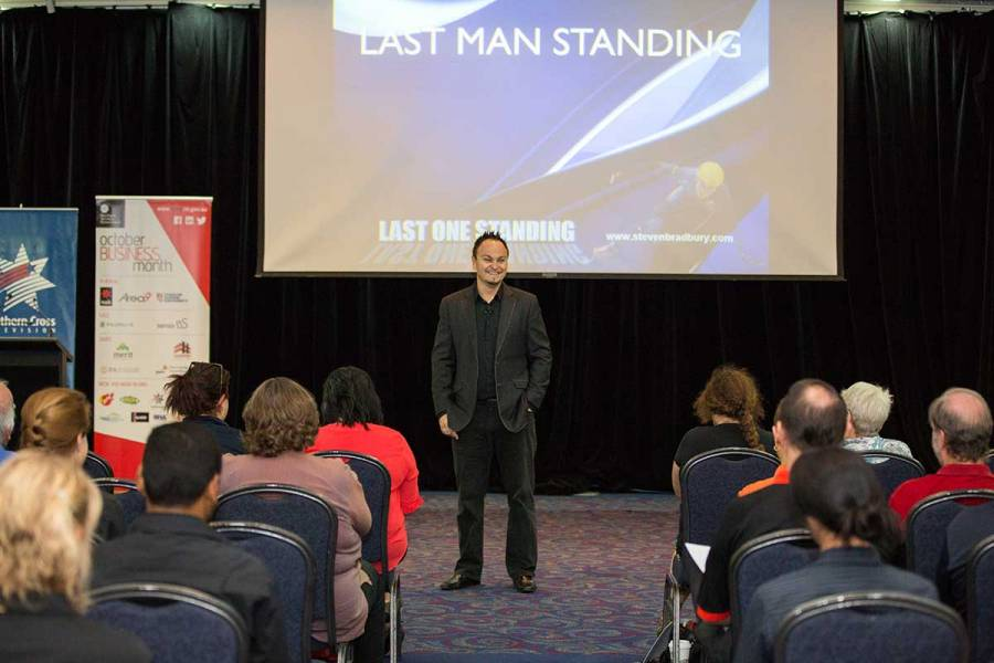 Steven Bradbury in Alice Springs presenting Passion, Persistence and Teamwork Leads to Success